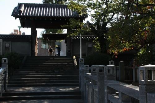2.泉岳寺:赤穂義士墓所入り口門-01D 1210qr