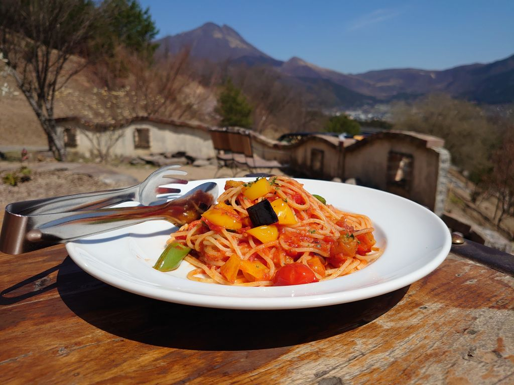 「Pizzeria 櫟の丘(大分県由布市」由布岳を望む絶景テラスで石窯ピザ!