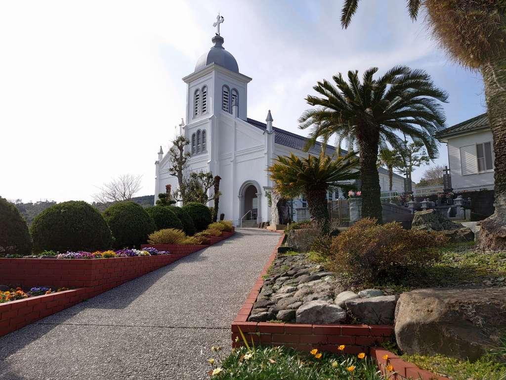 「大江天主堂と天草ロザリオ館(熊本県天草市)」丘の上の美しい教会と天草の歴史を見学