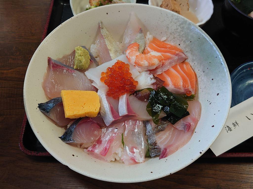 「海鮮 いづつ(大分県別府市)」お魚好きにお勧め!大満足の海鮮丼ランチ
