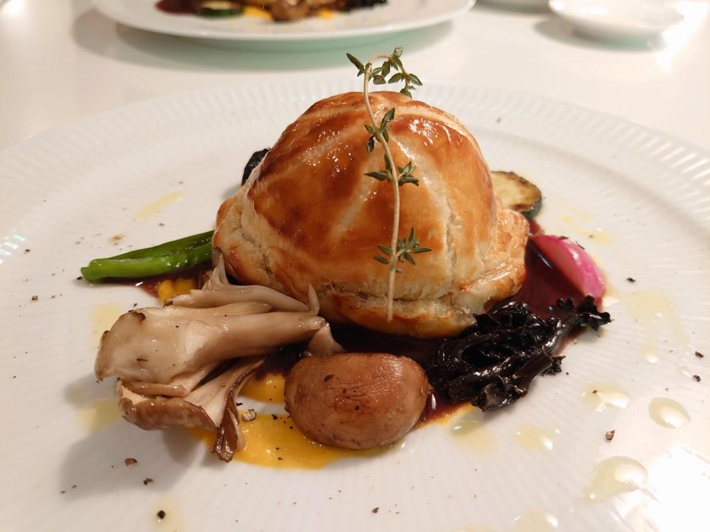 「フォレスト イン ボン(大分県由布市)」秋の味覚フランスウィーク!鴨とフォアグラのパイ包み焼きランチ