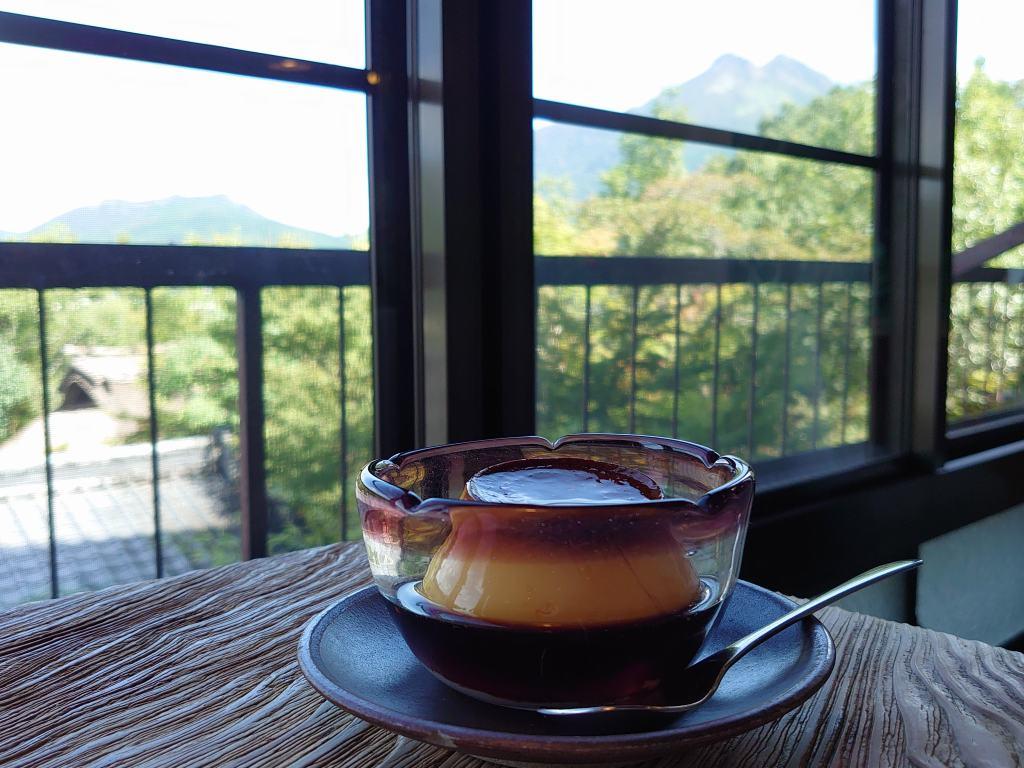 「展望喫茶 BanBan (大分県由布市)」由布盆地一望のレトロカフェで!数量限定自家製プリン