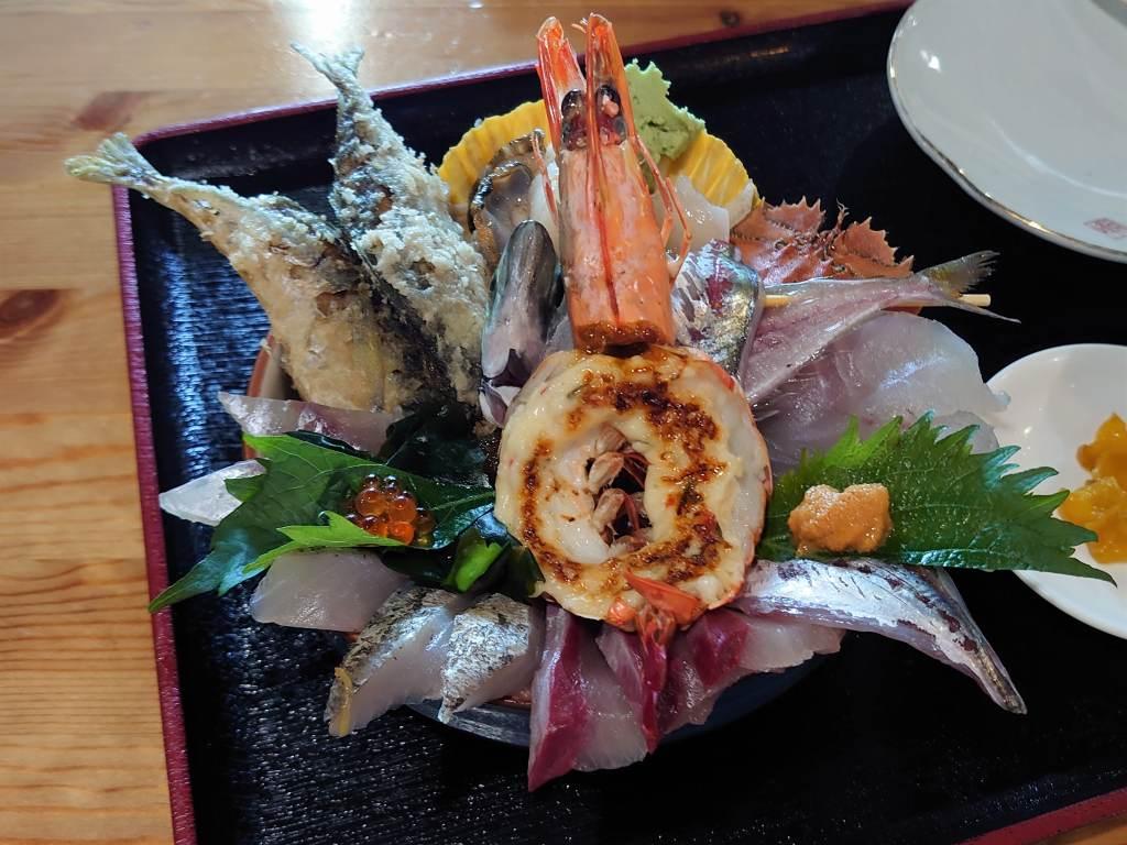 「塩湯(大分県佐伯市)」驚き!!豪華な海鮮丼と絶品塩ソフト☆天然海水風呂併設のお食事処
