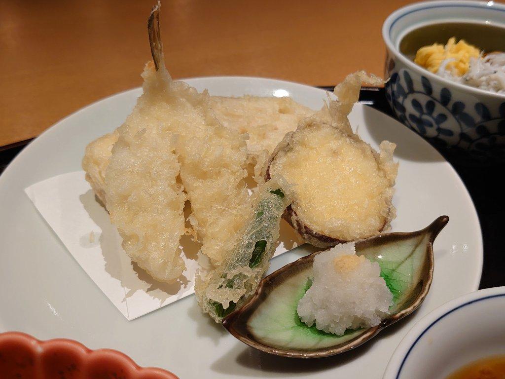 「加賀屋 博多店(福岡市博多区)」くうてんで能登の贅沢ランチ!ふぐと蟹しんじょうと加賀野菜
