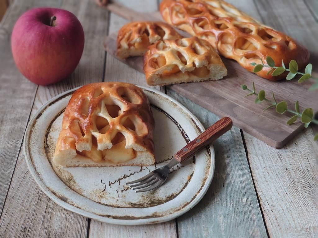 「メッシュローラー」を使ってりんごパンを焼いてみました☆おうち時間