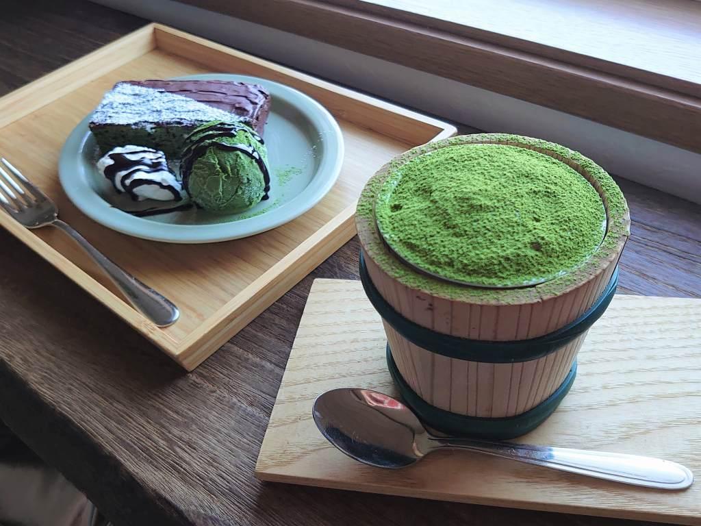 「茶匠むろぞの 和カフェ(福岡県八女市)」茶畑のカフェで!抹茶ティラミスのティータイム