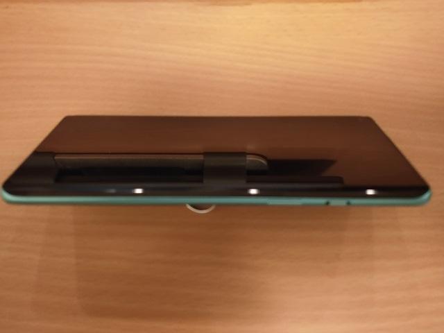 OnePlus8の曲面ディスプレイ