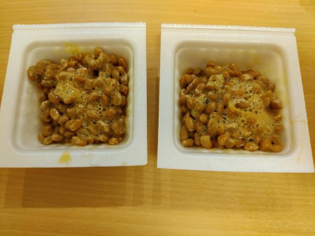 ペヤング 超超超大盛GIGAMAX 納豆キムチ味追い納豆の準備